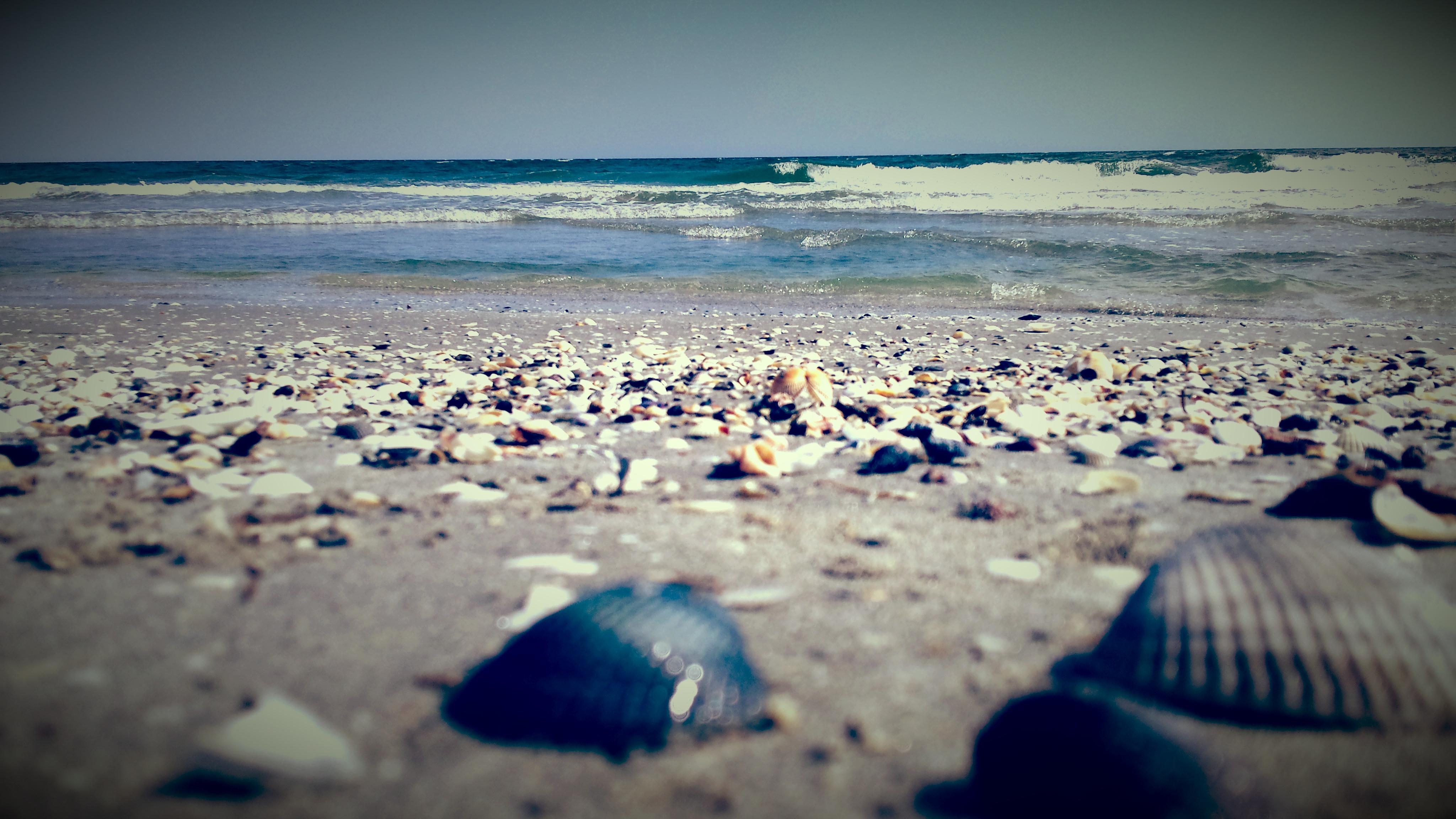 Plaja de la Corbu, salbatica si frumoasa